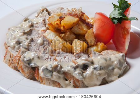 Fresh Sliced Chicken With Roasted Potato And Mushroom Souce
