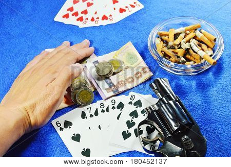 hand dragging money after win poker game