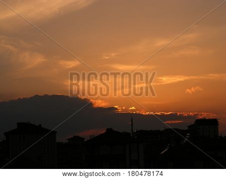 The evening sun in the city, the evening sun,