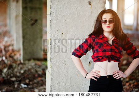 Portrait Girl With Red Lips Wearing A Red Checkered Shirt, Sunglasses With Bare Belly Background Aba