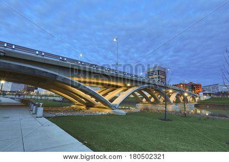 The Scioto Greenway bike/pedestrian path,flanks the banks of the Scioto River in downtown Columbus, Ohio.