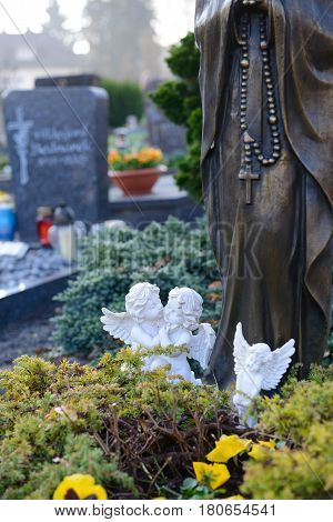 Two Angels On Grave