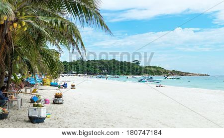 Koh Samet, Thailand - October 29, 2016: Tropical Wide Beach Of Samet Island With Few Visitors And Be