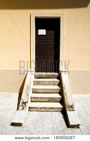 Europe  Italy  Lombardy      In  The Milano Old   Church  Door