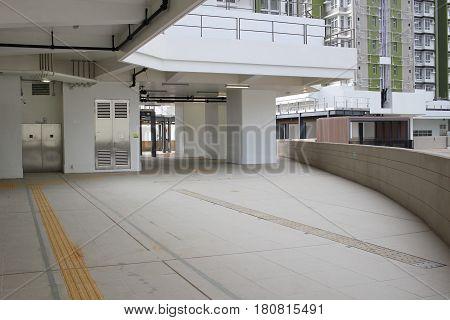 Walk Way To  On Tat Estate