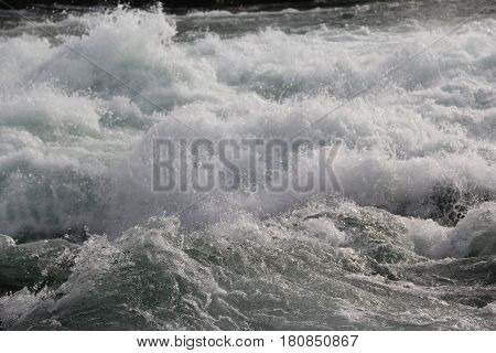 Very fast water-flow on the Niagara river