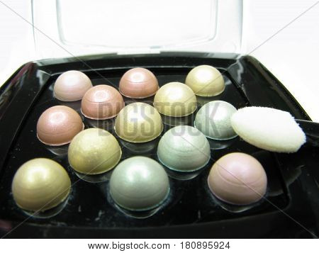 cosmetic pearl eye shadows for make up