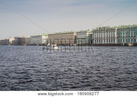St. Petersburg-10.04.2017: the official opening of navigation on the Neva will open on 12/04/2017
