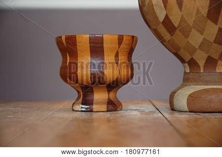 wood bowl shape close  up table  checker grain