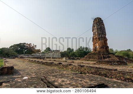 Wat Lokayasutharam Ruins