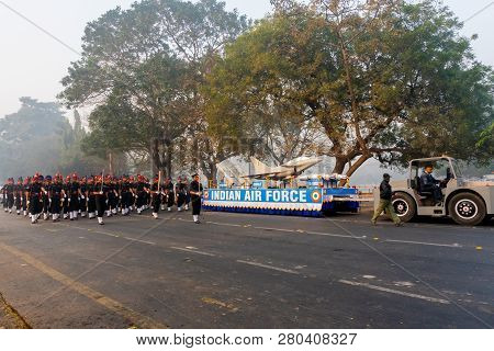 Red Road, Kolkata, West Bengal / India - 21st January 2018 : Indian Air Force Displaying Chinook Hel