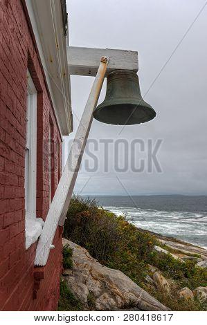 Pemaquid Pont Lighthouse Bell Tower - Bristol, Maine, Usa