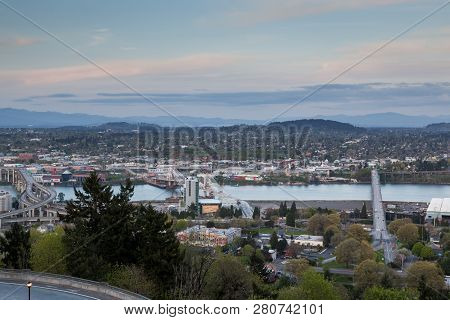 Portland, Oregon - April 14, 2014:  The View From Marquam Hill Upper Tram Station Of Marquam Bridge,