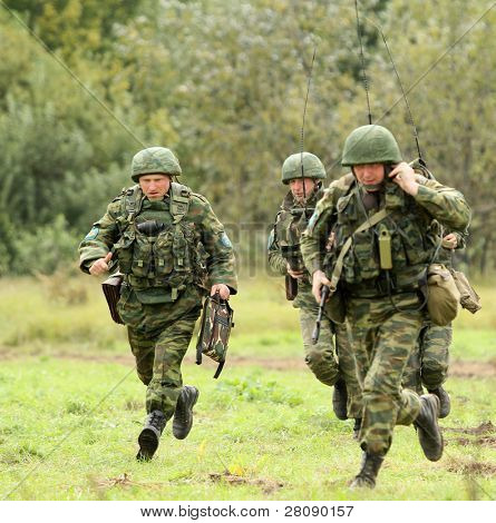 KOSTROMA REGION - AUGUST 26: Paratroopers-saboteurs on the Command post exercises with 98-th Guards Airborne Division, August 26, 2010 in Kostroma region, Russia.