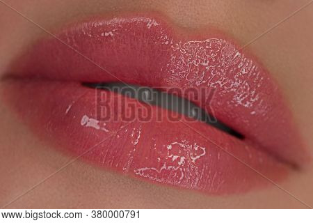 Caring For The Skin. Beauty Salon Fashion Portrait. Beautiful Woman With Clean Skin. Sexy Full Lips