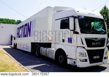 Bordeaux , Aquitaine / France - 08 04 2020 : Action Sign Logo On Truck Delivery Freight For Dutch Di