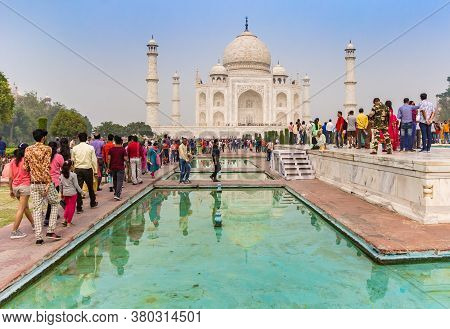 Agra, India - November 03, 2019: Tourists Admiring The Taj Mahal From The Viewing Platform In Agra,