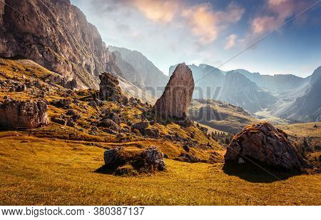 Awesome Alpine Highlands In Sunny Day. Amazing Nature Scenery Of Dolomites Alps. Epic Scene In The M