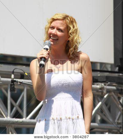 Patti Murin