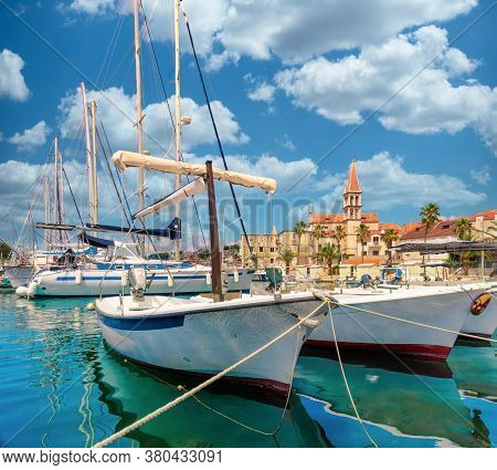 Beautiful Panoramic Picturesque View Of A Small Town Of Milna On The Island Of Brac. Old Boats Docke