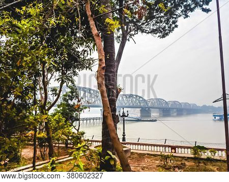 Vivekananda Setu Or Bally Bridge (willingdon Bridge Or ) Over The Hooghly River, A Rail Cum Road Bri