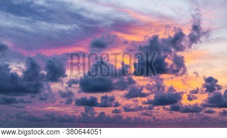 Twilight Sky And Cloud At Morning Background Image
