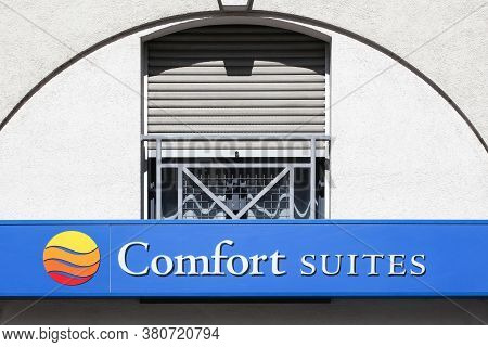 Lyon, France - May 21, 2020: Comfort Suite Logo On A Building. Comfort Suite Is A Subdivision Of Cho