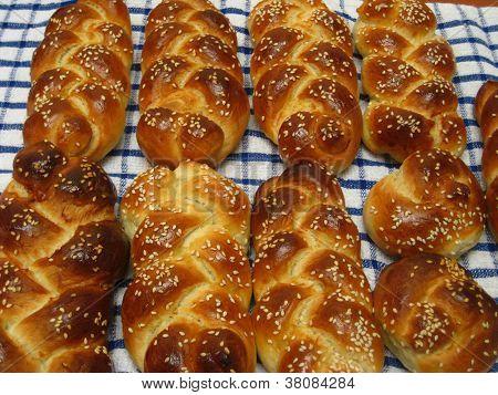 challah bread for shabbat kodesh