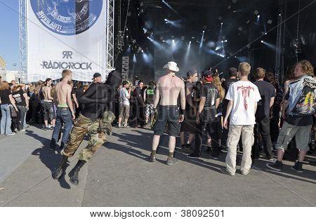 Fans moshing at Tuska Festival