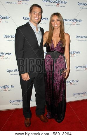 Bill Rancic and Giuliana DePandi  at Operation Smile's 7th Annual Smile Gala. Beverly Hilton, Beverly Hills, CA. 09-18-08