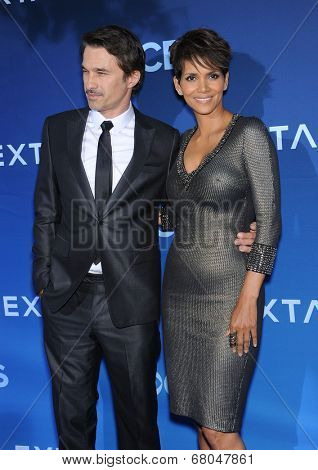 LOS ANGELES - JUN 06:  Olivier Martinez & Halle Berry arrives to the 'Extant' Premiere Party  on June 06, 2014 in Los Angeles, CA