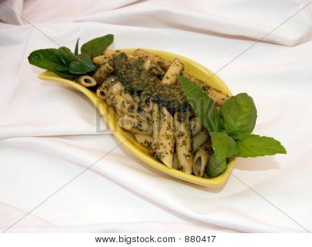 Pasta con Basyl Pesto