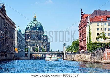 Berlin Cathedral view from spree river surface