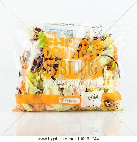 Tesco Bag Of Sweet And Crunchy Salad.