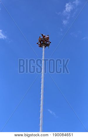 Voladores from Papantla in Mexico, Mayan Bungee