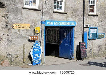 Port Isaac, Cornwall, Uk - April 8Th 2017: On Fore Street, The Entrance To