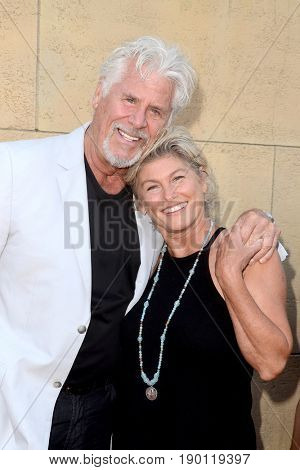 LOS ANGELES - JUN 5:  Barry Bostwick at