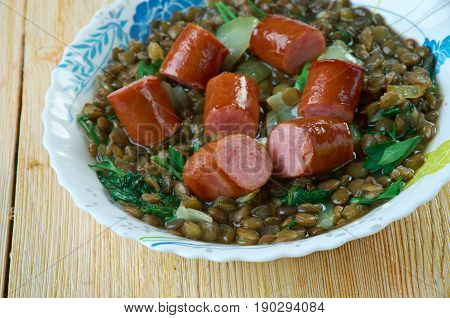 Sausage With Green Lentils