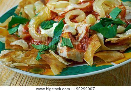 Chilaquiles Con Salsa Roja