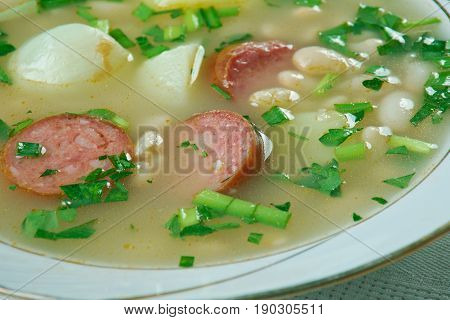 Cooker Sausage, Spinach And White Bean Soup