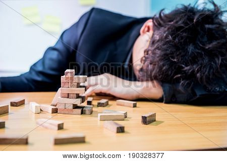businessman fail and unsuccessful concept, game building