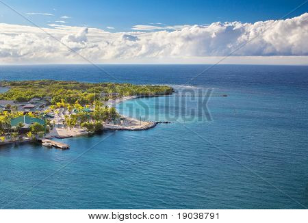 Beach Of Isla Roatan In Honduras