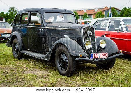 PAAREN IM GLIEN GERMANY - JUNE 03 2017: Large family car Peugeot 301C 1933. Exhibition