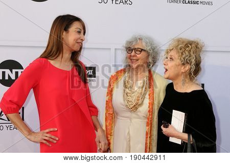 LOS ANGELES - JUN 8:  Illeana Douglas, Gues, Carol Kane at the American Film Institute's Lifetime Achievement Award to Diane Keaton at the Dolby Theater on June 8, 2017 in Los Angeles, CA