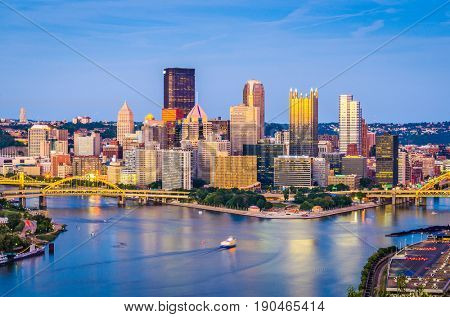 Pittsburgh, Pennsylvania, USA skyline at dusk.