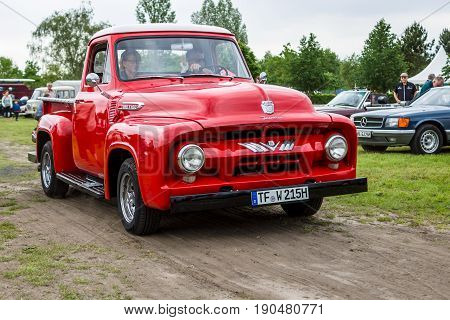 PAAREN IM GLIEN GERMANY - JUNE 03 2017: Full-size pickup truck Ford F-100 (second generation) 1953. Exhibition