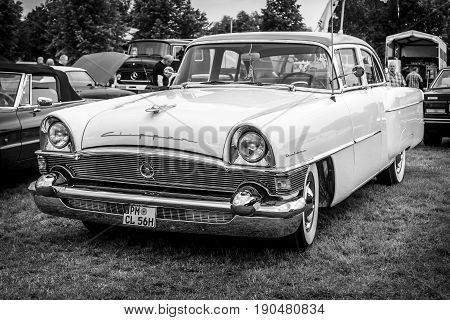 PAAREN IM GLIEN GERMANY - JUNE 03 2017: Vintage car packard Clipper DeLuxe 1956. Black and white. Exhibition