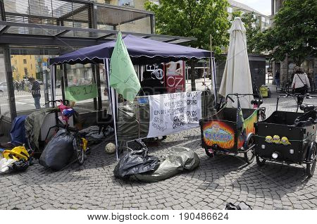 Copenhagen /Denmark - 08 June 2017. Homeless dane day 12 at Christianshavn torv according to one homeless male their tent have been removed . (Photo.Francis Joseph Dean/Deanpictures)