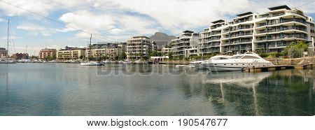 VICTORIA AND ALFRED WATERFRONT, CAPE TOWN, SOUTH AFRICA 22lokkj