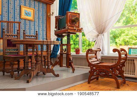 Photo salon of the nineteenth century. Interior reconstruction in the museum Simbirsk photo. Russia, Ulyanovsk. July 1, 2014